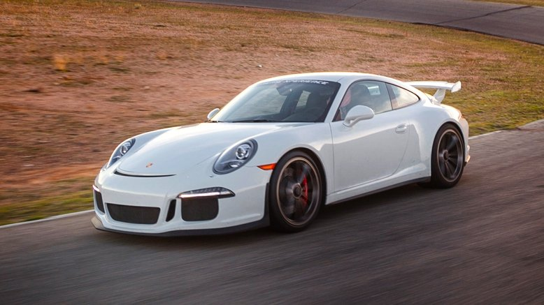 3-Lap Drive in a Porsche 911 GT3 or Nissan GT-R (Apr. 15)